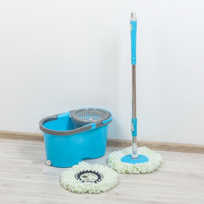 Набор для уборки: ведро с пластиковой центрифугой, швабра, доп. насадка, цвет МИКС фото